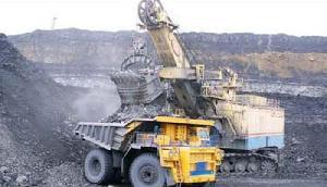 मेघालय में धड़ल्ले से हो रहा है कोयले का अवैध खनन, जानिए इस पर क्या कहा एनजीटी ने