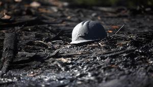 अवैध कोयला खदान में अब भी फंसे हैं 13 मजदूर, पल-पल नजदीक आ रही है मौत