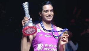 पीवी सिंधु ने रचा इतिहास, वर्ल्ड टूर फाइनल्स जीतने पर सोनोवाल ने दी बधाई