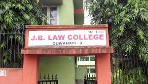 एलएलएम प्रवेश परीक्षा विवाद, योग्यता के आधार पर दिया गया प्रवेश