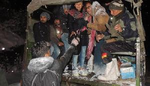 सेना ने सिक्किम में फंसे 150 पर्यटकों को बचाया