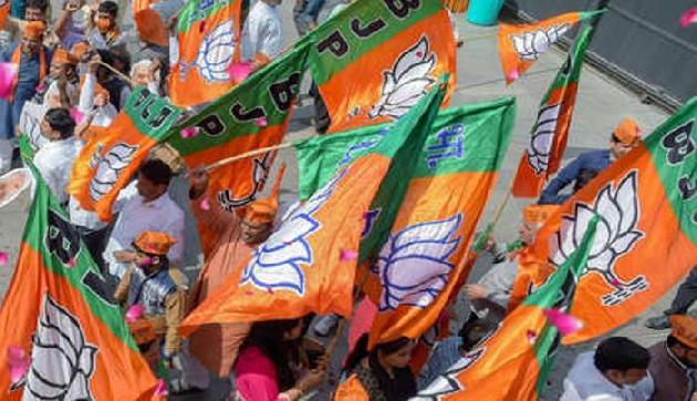 भाजपा विधायक की धमकी, आसू नेता से की एक करोड़ क्षतिपूर्ति की मांग