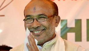 छुड़ाए गए 179 नेपाली नागरिक, सीएम ने दूतावास के अधिकारियों को सौंपा
