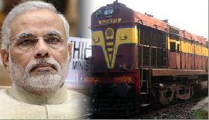 मोदी सरकार रेल यात्री और कर्मचारियों को दे सकती है ये बड़ी सौगात