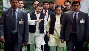 तीन दिन पहले EVM खोलने का फरमान, कांग्रेस ने उठाए सवाल