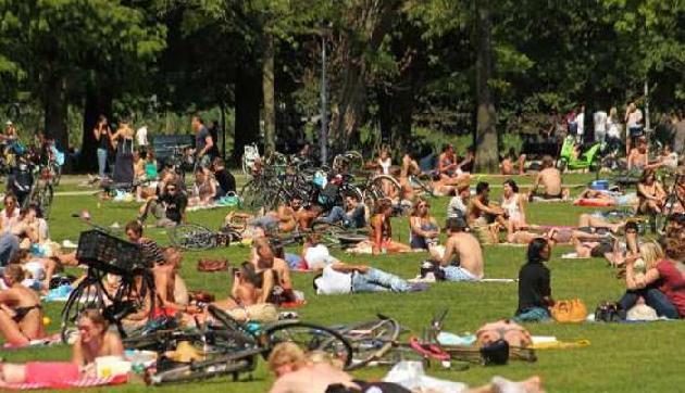 आने वालों का मूड बना देता है ये पार्क, बिना कपड़ों के घूमते हैं सभी लोग