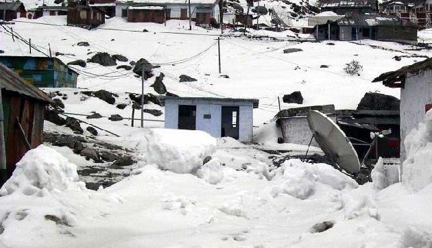 सिक्किम में भारी बर्फबारी के साथ बारिश की भी चेतावनी