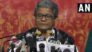 PM के कार्यक्रम महिला मंत्री को गलत तरीके से छूने मामले में माकपा ने की मंत्री को बर्खास्त करने की मांग