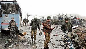 पुलवामा अटैक : हो गया आगाज बस अब जंग होनी चाहिए,  शहीदों को श्रद्धांजलि