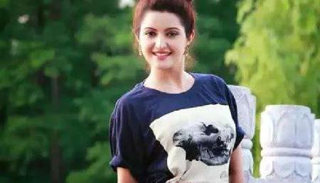 इस अभिनेत्री की तस्वीर हुई वायरल, दिखती है बेहद खूबसूरत