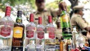 भारी मात्रा में देसी शराब जब्त, दस से अधिक शराब के अड्ढों को तोड़ा