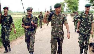 सेना की बड़ी कामयाबी, आतंकवादी कैंप को किया तबाह, इतनों को किया गिरफ्तार