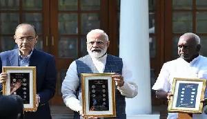 PM मोदी ने जारी किया 20 रुपए का सिक्का, जानिए खास बातें