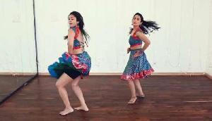 'मुंगड़ा' गाने पर इन दोनों लड़कियों ने मचाया जबरदस्त धमाल, वीडियो वायरल