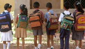 कोरोना वायरस के चलते इन राज्यों में फंस गए हैं स्कूली बच्चे, मां-बाप लगा रहे गुहार