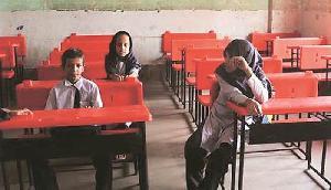 मंत्री ने किया हैरान करने वाला दावा, 'कई स्कूलों में केवल दो या चार छात्र'