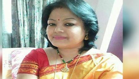 भाजपा के इस दिग्गज नेता की टिकट कटने से पत्नी का छलका आंसु