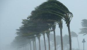सावधान, तेज हवा और कड़कती बिजली के साथ भयंकर बारिश के आसार
