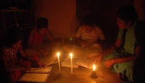 बिजली की आंख-मिचौली से लोगों की बढ़ी परेशानी, कोई सुनने वाला नहीं