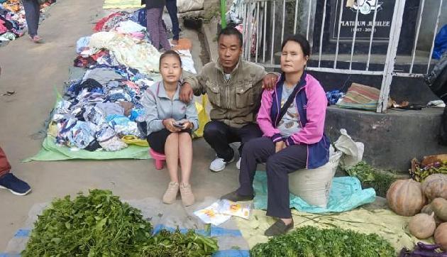 सब्जी बेचने वाली की बेटी ने लहराया परचम, बनीं 10वीं टॉपर