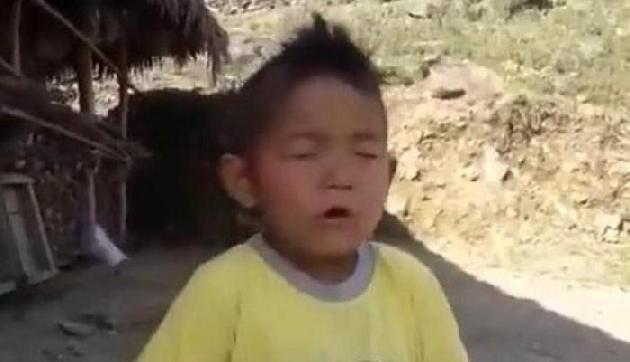 बच्चे ने क्यूट अंदाज में गाया राष्ट्रगान, जीता लोगों का दिल, वायरल हुआ वीडियो