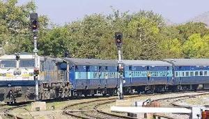 सावधानः अब रेलवे स्टेशन पर की ऐसी हरकत, तो आपको जाना पड़ सकता है जेल