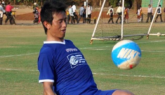 जानिए कौन हैं भारत के महान फुटबॉलर बाइचुंग भुटिया, जिनके ऊपर बनेगी फिल्म