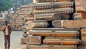 इस मंदिर में प्रसाद के रूप में दी जाती है गरमा-गरम मटन बिरयानी, जानिए पूरी खबर