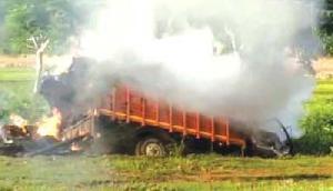 कुछ इस तरह चलती ट्रक में लगी आग, जानिए पूरी खबर
