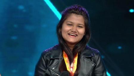 आस्था दास Zee TV के सा रे गा मा पा लिटिल चैंप्स के ग्रैंड फिनाले में पहुंची