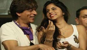 इंटरनेट पर जबरदस्त वायरल हो रही है SRK की बेटी सुहाना की बाथरूम सेल्फी, जानिए क्यों?