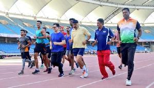 सुबह-सुबह स्टेडियम में दौड़ने लगे खेल मंत्री, देखने वाले रह गए दंग