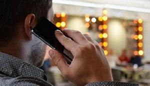 ज्यादा मोबाइल चलाने वाले सावधान, आपके सिर से निकल सकती है सींग, ये रहा सबूत