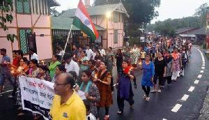 भाजपा सरकार के इस फैसले से मचा बवाल, सड़कों पर उतरे लोग