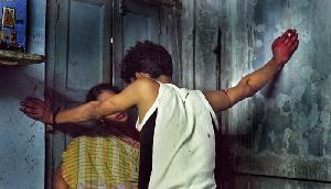 युवक ने पूजा करती हुई महिला का किया रेप, भीड़ ने पीट-पीट कर मार डाला