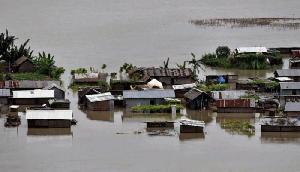 भारी बारिश का रेड अलर्ट जारी, 145 गांव पानी में डूबे, 62400 लोगों की अटकी सांसे