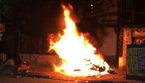 भारत का न्यूजीलैंड से मैच हारना पड़ा भारी, भाजपा नेता के घर को लगाई आग