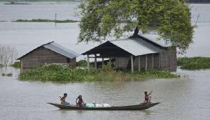 बाढ़ राहत के लिए वितरित किए गए ये समान, जानिए पूरी खबर