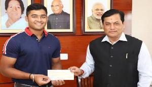 इस आईपीएल स्टार ने बाढ़ पीडि़तों की मदद के लिए दान किए इतने रुपए