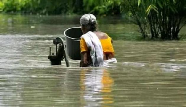अभी भी बाढ़ से बेहाल है असम, अब तक 88 लोगों की मौत