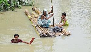 थम नहीं रहा बाढ़ का कहर, मृतकों की संख्या हुई 64, 38.37 लाख लोगों पर संकट