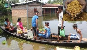 बाढ़ की मार पर भारी भ्रष्टाचार, पीड़ितों को आवंटित दाल चुराकर भर लिए गोदाम