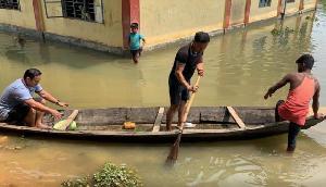 देवदूत से कम नहीं है ये आईएएस अधिकारी,बाढ़ के दौरान किया शानदार काम