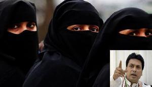तीन तलाक: मुख्यमंत्री ने दिया अपना फोन नंबर, कोई भी मुस्लिम महिला कर सकती है शिकायत