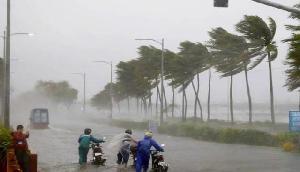 सावधानः मूसलाधार बारिश से बिगड़ सकते हैं हालात, 50 Kmph की रफ्तार से चलेंगी हवाएं