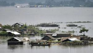 बाढ़ से 386 लोगों की मौत, कई राज्यों में तेज बारिश से बिगड़ सकते हैं हालात