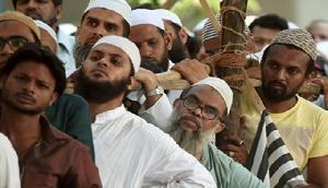 हिन्दू-मुस्लिम एकता की मिसाल, खुद को भारतीय साबित करने में मुस्लिमों की मदद कर रहे हिन्दू