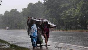45-55 किमी प्रति घंटा की तेज हवाओं के साथ भारी बारिश की चेतावनी जारी, इन राज्यों में बरसेगी आफत
