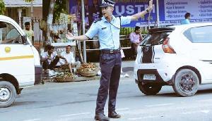 ट्रैफिक पुलिस ने जारी किया नोटिस, 15 अगस्त पर इन इलाकों से होकर गुजरेंगे वाहन
