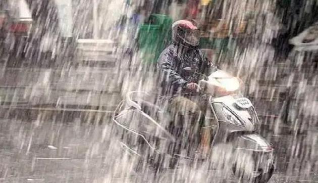 अगले 24 घंटे में होगी भयंकर बारिश, मौसम विभाग ने दी हालात बिगड़ने की चेतावनी